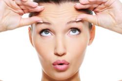 Горизонтальные брови для овального лица