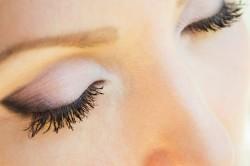 Белые тени на глазах