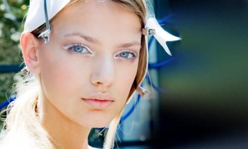 Использование белого карандаша при макияже глаз