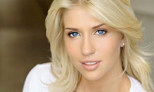 Правильный макияж для голубоглазых блондинок
