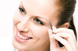 Выщипывание волос по одному