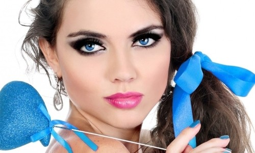 Яркий макияж для больших глаз