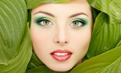 Яркий летний макияж в зеленых тонах