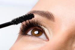 Нанесение туши на ресницы для вечернего макияжа