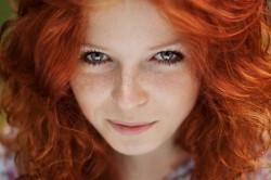 Рыжие волосы - признак осеннего цветотипа