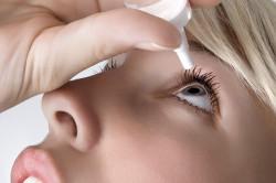 Использование глазных капель после татуажа век