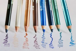 Варианты цветов карандашей для глаз