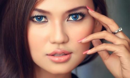 Создание красивого макияжа для голубых глаз