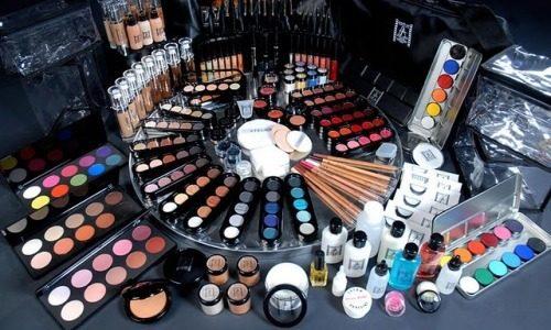Собрать набор косметики