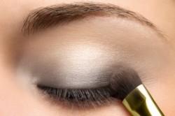 Макияж глаз для блондинок с перламутровыми тенями
