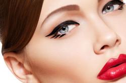 Выразительность глаз с нанесенным татуажем