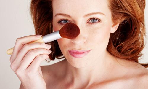 Уменьшение носа при помощи макияжа
