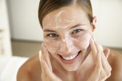 Скраб для подготовки лица к макияжу